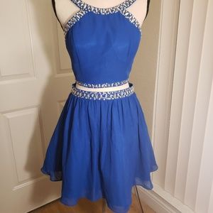 Blue 2 piece prom / homecoming dress